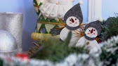 kabarcıklı : New Year decorations and decorations Christmas decorations balls ornaments and Santa Claus for the New Year Stok Video