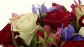 goździk : Beautiful bouquet roses, iris and alstroemeria rotates.