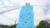 supervivencia : Climbing rock wall outdoors, Adventure park timelapse