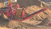raspador : Machines working on a building site in slow motion