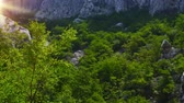 mala : Paklenica karst river canyon is national park in Croatia. It is located in Starigrad, northern Dalmatia, at southern slopes of Velebit mountain, not far from Zadar. Mala and Velika Paklenica. Vídeos