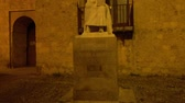ibn : Sculpture dedicated to the doctor and Andalusian philosopher Abu Al-Walid Muhammad Ibn Ahmad Ibn Rushd, known as Averroes. It is located in Cairuan street, Cordoba, Spain. Stock Footage