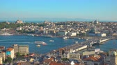 minare : Istanbul, Turkey - July 15, 2018: The Galata Bridge and panoramic view of old town of Istanbul - Fatih, Turkey