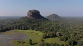 ceilão : Sigiriya Lion Rock Mount sri lag dawn top view