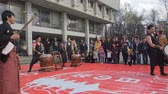 com cordas : Moscow, Russia, April 24,2016: Japanise Festival Hinode. Japanese musician are playing on traditional musical instruments shamisen and taiko drums on the stage