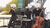 НЛО : MOSCOW, RUSSIA - OCTOBER 20, 2018: Geek Pecnic - Art, Science, Tech Open Air in Moscow. Performance of Music Band Humanoid Opera Funny Alien Musicians Plays Classical Music in Modern Arrangement on a Different Musical Instruments