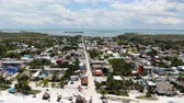 mexiko : Aerial view of Isla Holbox town centre and main beach, Quintana Roo, Mexico