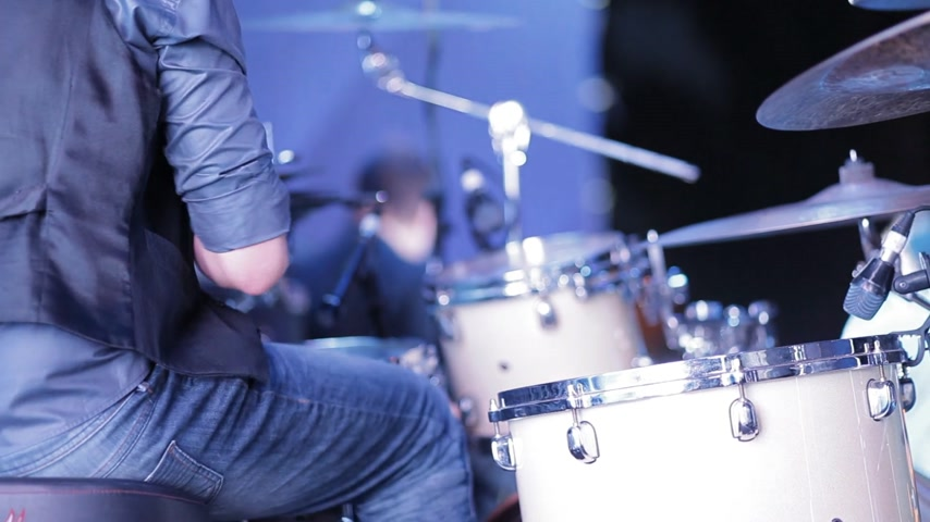 davulcu : Drummer make music