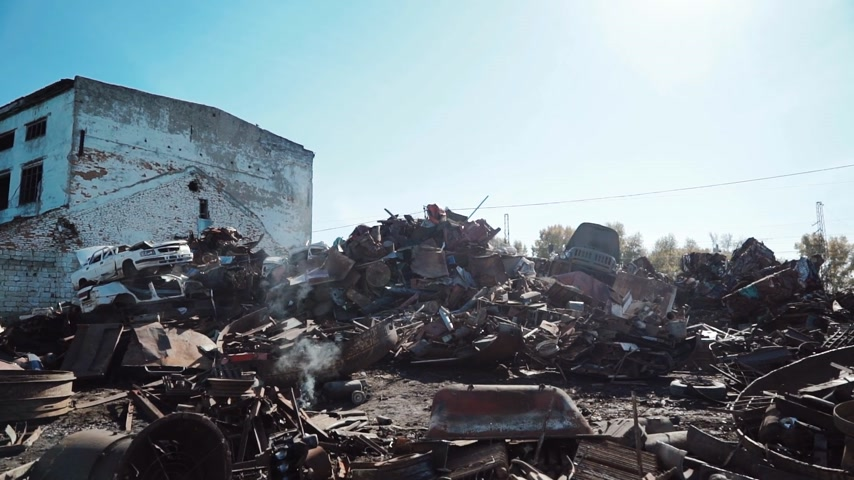 zkorodované : metal scrap yard for recycling purposes