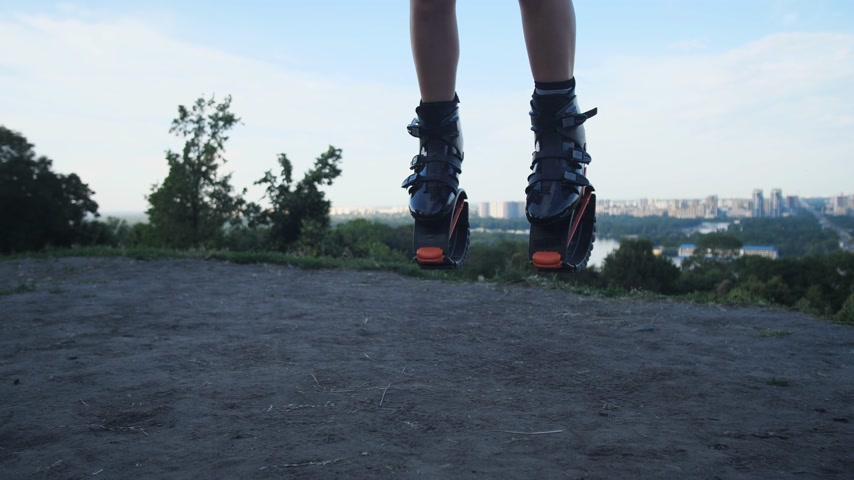 rugók : Jumping angoo jumps. Check out the camera with shoes for a general plan. 4K Slow Mo