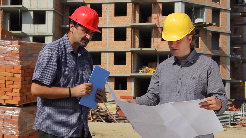 vállalkozó : Construction workers, planning and controlling building of apartments, teamwork
