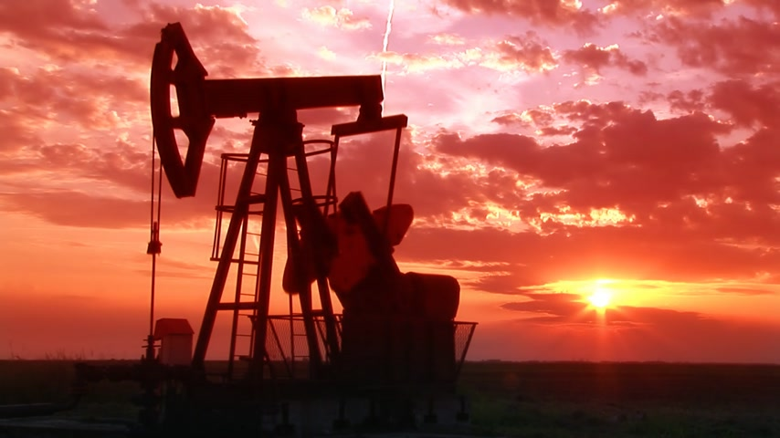 wiertarka : Oil Pump Jack at Sunset Wideo