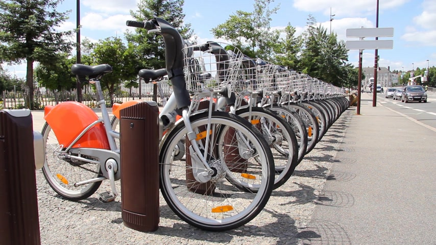 környezeti : Rent a bike in city, public transportation