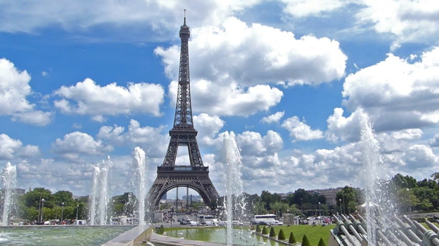 башни : The Eiffel Tower from the Trocadero, cannon fountains, Paris France