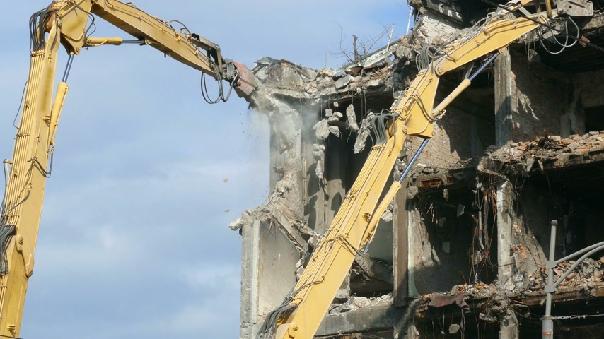 zvedák : Demolition of buildings, cleaning the field on which place will be a new building