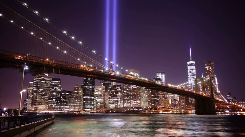 nyc : brooklyn bridge night light towers of light 4k time lapse from new york Stock Footage