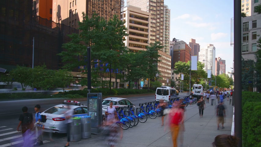 new world : uptown broadway day light traffic 4k time lpase from new york city