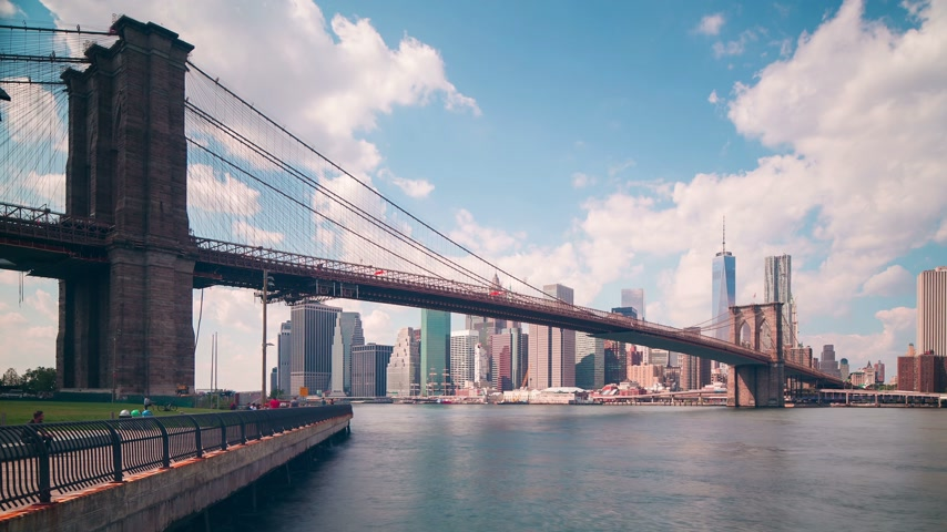 mosty : brooklyn bridge park bay 4k time lapse from new york city Wideo
