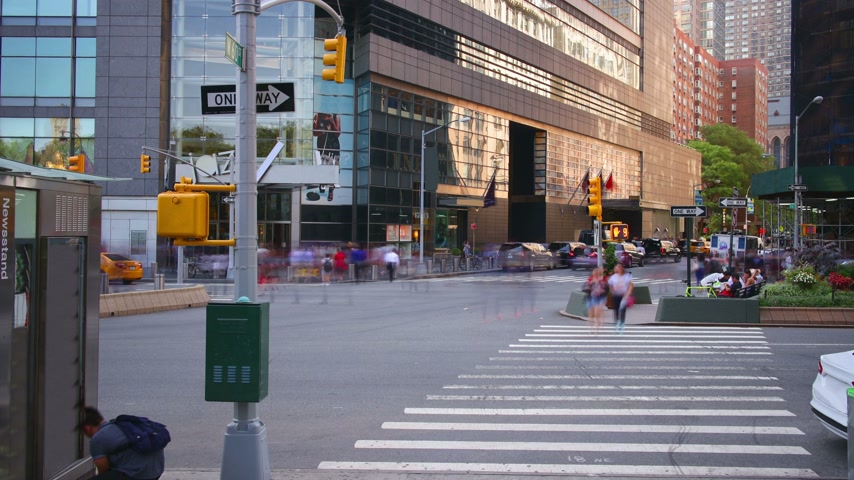 new world : uptown manhattan traffic  road  day light 4k time lapse from new york Stock Footage