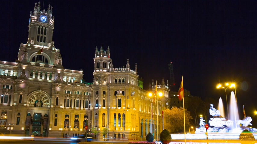 madryt : madrid night light traffic post office fountain view 4k time lapse spain