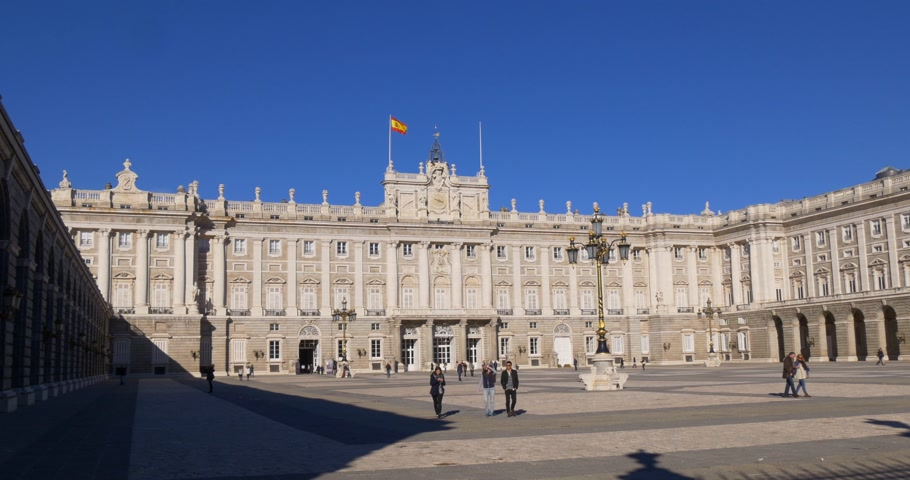 palacio real : sunny day madrid royal palace panorama square 4k spain Stock Footage