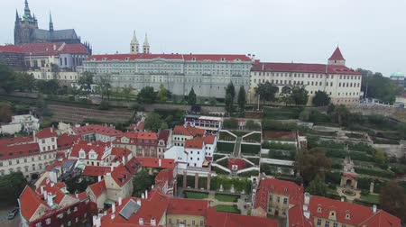 outubro : Aerial view on the Prague Castle overlooking the Palace Gardens