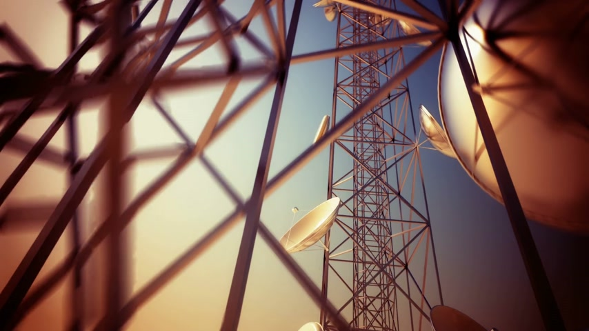 uzun boylu : Loopable animation of endless communication tower. Stok Video