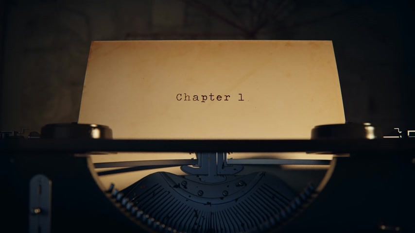 caracteres : Chapter 1 Written On An Old Typewriter On Desk Stock Footage