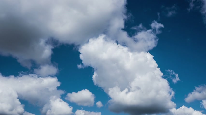 небесный : White Clouds Dissolving In The Sky. Timelapse.