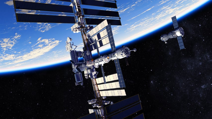 roket : 4K. Spacecraft Docking To International Space Station Stok Video