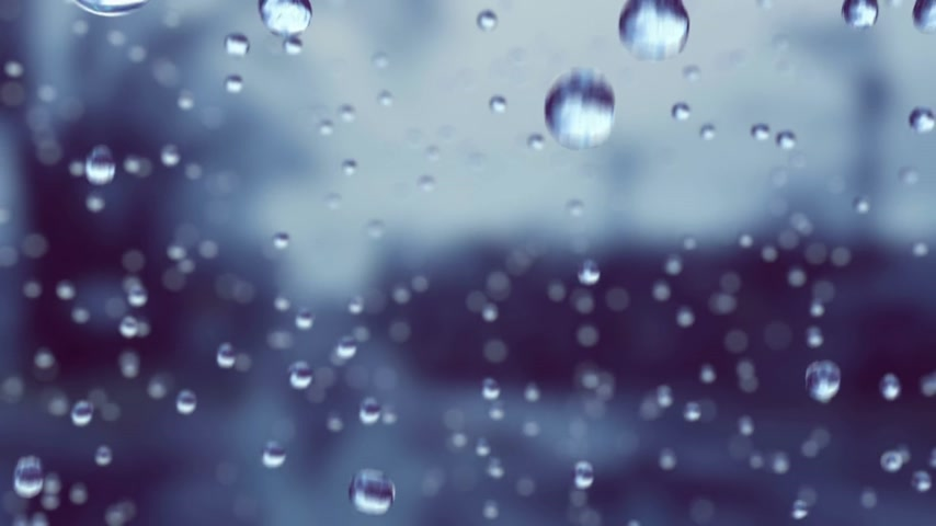 ulewa : Beautiful Rain Drops in Slow Motion Falling. Loop. HD 1080. Wideo