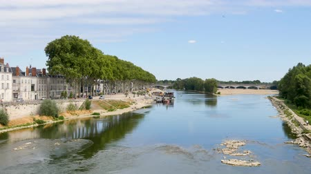 szegecs : Orleans is a prefecture and commune in north-central France. View of the banks of the Loire river in the city.