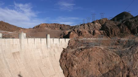 maravilhoso : The huge wall of Hoover Dam between Nevada and Arizona in 4k