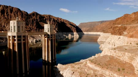 maravilhoso : Beautiful wide angle shot of the Hoover Dam in 4k Stock Footage