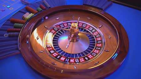 revendedor : Roulette Wheel in a casino