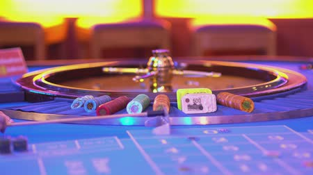 рулетка : Roulette table in a casino - great view on Roulette wheel