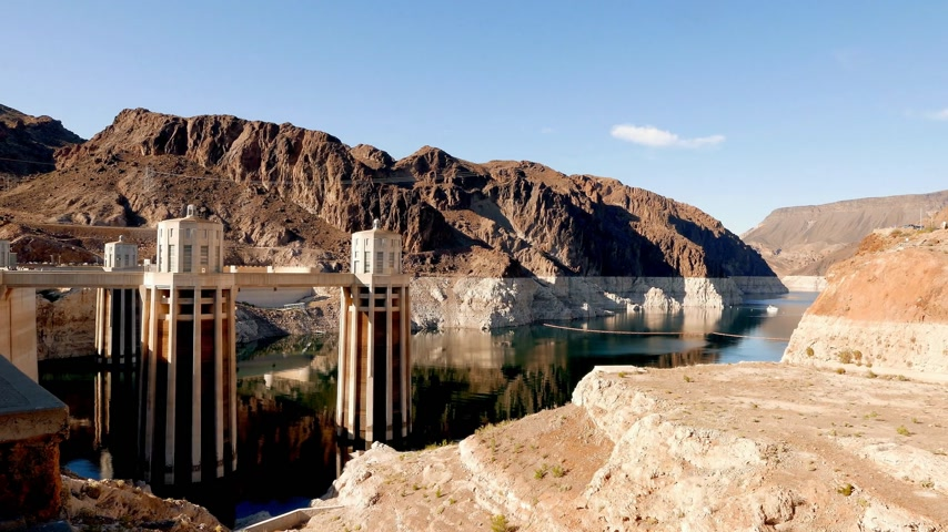 maravilha : Beautiful wide shot over Hoover Dam in Nevada in 4k Stock Footage
