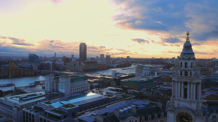 london england : Amazing sky over London Stock Footage