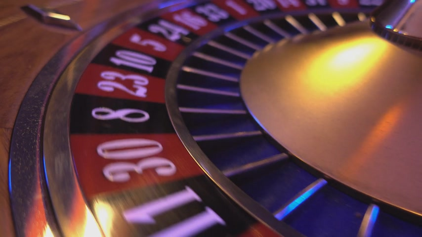 patins : Perspective close up view on Roulette Wheel in a casino