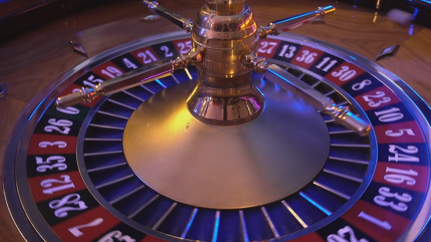 ruleta : Rueda de ruleta en un casino