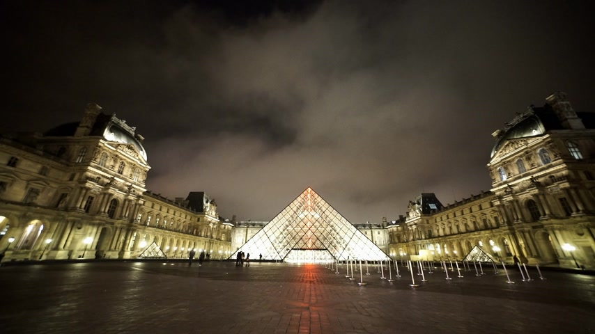 french metro : The famous Louvre in Paris - PARIS, FRANCE Stock Footage