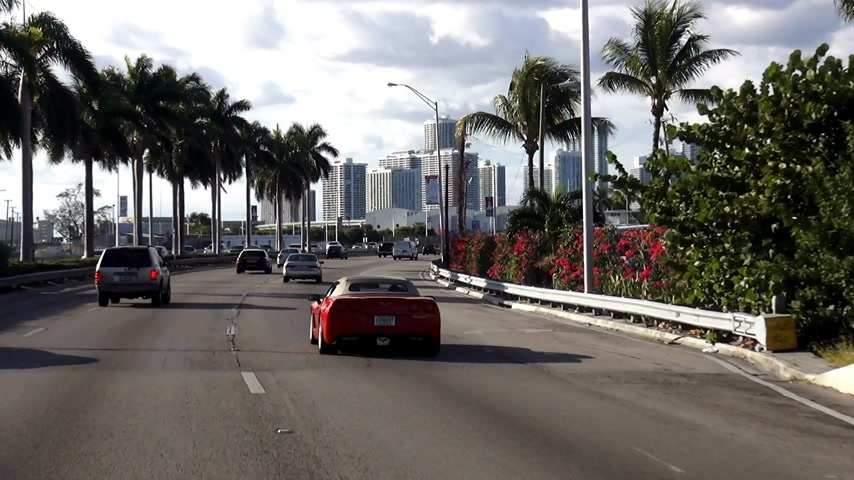scoprire : Guidando a Miami Downtown