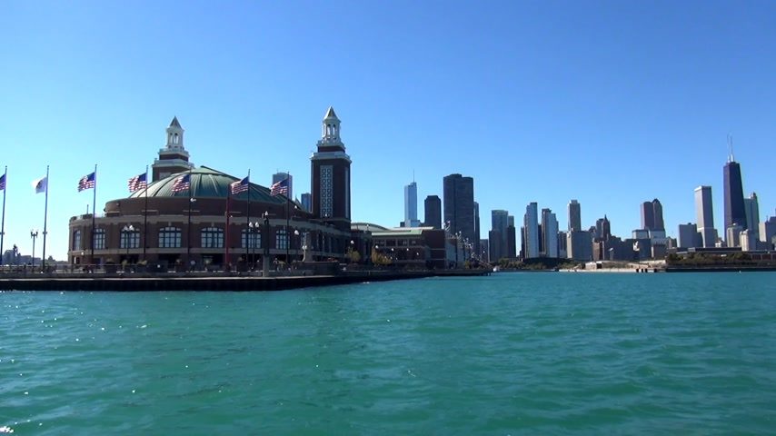 geográfico : Navy Pier from Lake Michigan - CHICAGO, ILLINOIS  USA