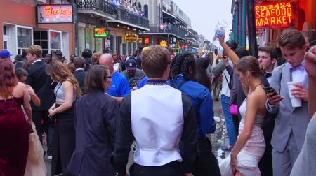 espetacular : The famous Bourbon Street French Quarter New Orleans Stock Footage