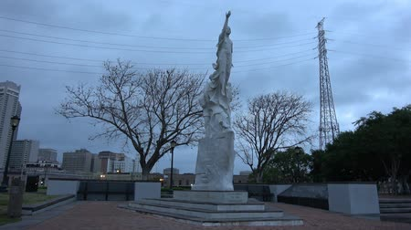 kult : Monument to the Immigrant in New Orleans