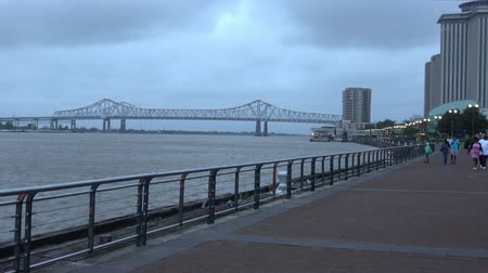 kult : Mississippi Riverwalk in New Orleans