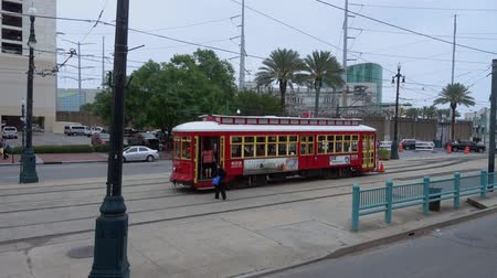 kult : New Orleans trolley at Canal street