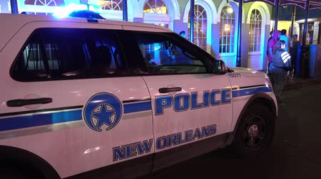 kult : New Orleans NOPD Police car at night
