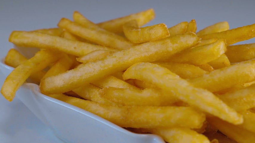 картофель фри : Fresh fried - Golden crispy French Fries - yummy