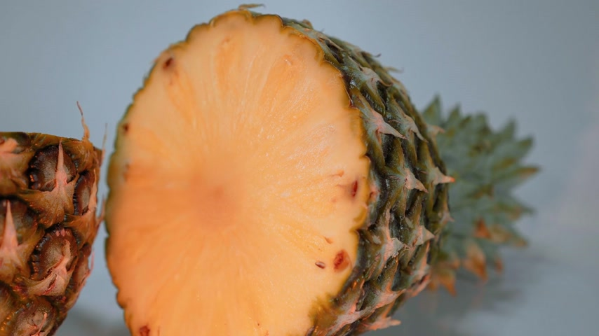 limão : Pineapple in a close up view - very delicious